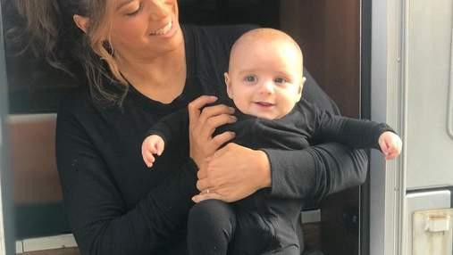 Єва Лонгорія зачарувала мережу 4-місячним сином, який помітно підріс: зворушливі фото