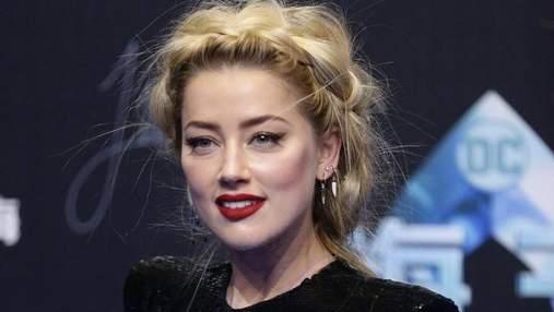 """Эмбер Херд поразила откровенным и соблазнительным декольте на премьере фильма """"Аквамен"""": фото"""