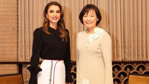 Елегантний вихід: королева Йорданії підкорює Японію в етнічному вбранні