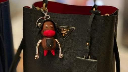 Обезьяны с красными губами: бренд Prada обвинили в расизме