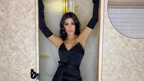 Кортни Кардашян показала сексуальное фото в постели: 18+