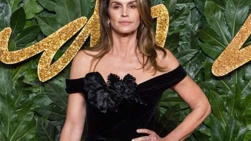 52-летняя Синди Кроуфорд обнажилась для пикантного фото