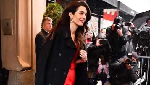 Яркий выход: Амаль Клуни поразила весенним образом