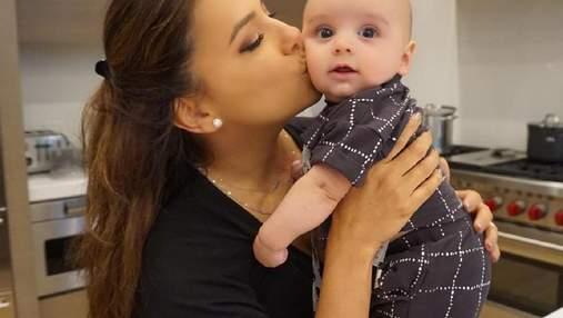 Малюк Бастон: Єва Лонгорія зворушила мережу фото з 8-місячним сином