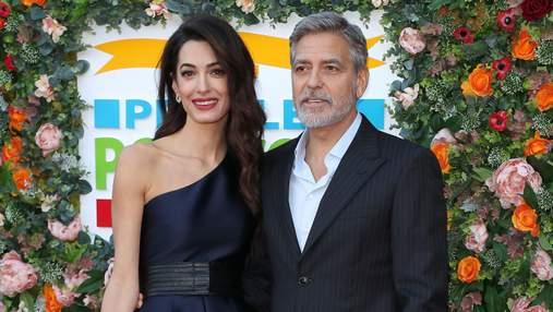 Несмотря на слухи о разводе:  Амаль и Джордж Клуни посетили благотворительное мероприятие