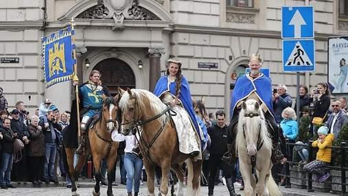 Львів святкує День міста: яскраві фото параду