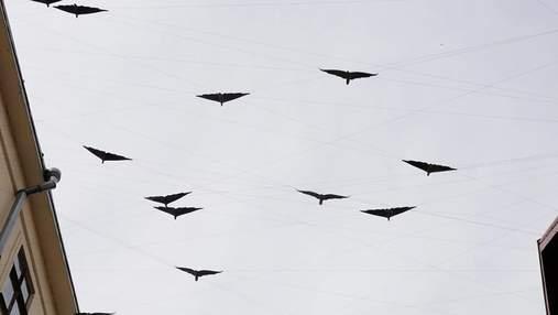 Унікальну повітряну скульптуру встановили в Івано-Франківську: неймовірні фото