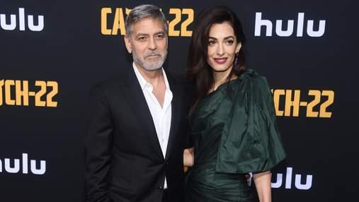 Щасливі разом: закохані Амаль та Джордж Клуні відвідали прем'єру серіалу