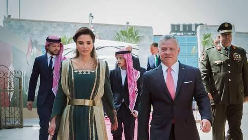 Королева Йорданії приголомшила вбранням на День незалежності країни: фото