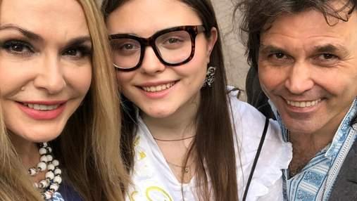 Как последний звонок отпраздновали украинские звезды со своими детьми: фото и видео