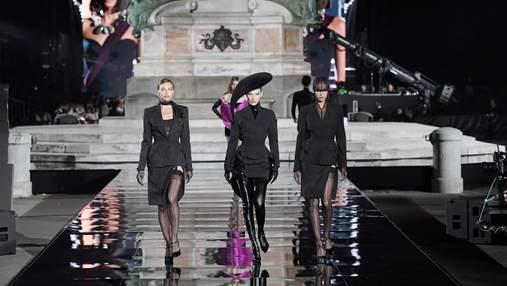 Кожаные платья и латекс: Ирина Шейк, Белла и Джиджи Хадид вышли на подиум в Италии