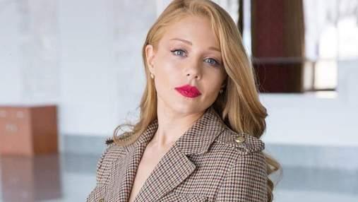 Тина Кароль вышла на сцену в платье от Dolce & Gabbana: эффектные фото