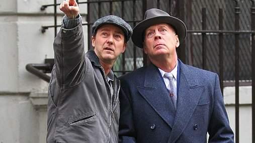 """Брюс Уиллис спасает детей из приюта в первом трейлере фильма """"Сиротский Бруклин"""": видео"""