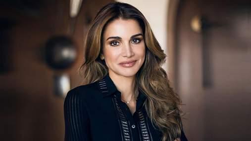 Від вишиванок до приголомшливих суконь: секрети стилю та успіху королеви Йорданії