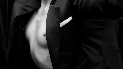 Эмбер Херд засветила обнаженную грудь из-под жакета и рассказала об отношении к соцсетям
