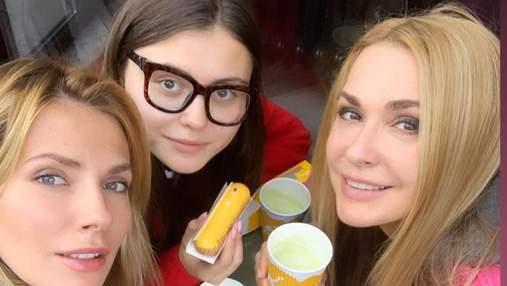 Ольга Сумская поделилась волшебными кадрами с отдыха с дочерьми