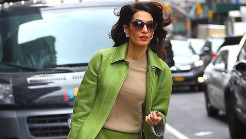 Образ дня: Амаль Клуни поразила выходом от Burberry на Генассамблее ООН