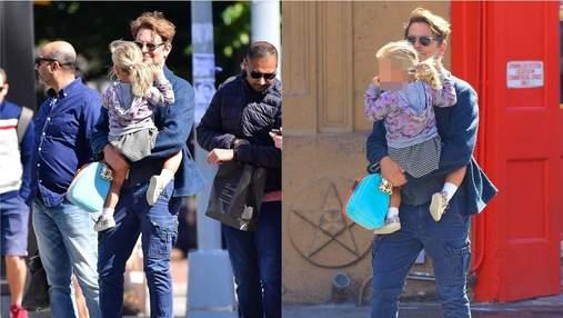 Татусева дочка: Бредлі Купер прогулявся з Леєю у Нью-Йорку – фото