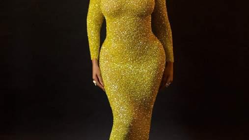 Образ дня: роскошная Бейонсе примерила золотое платье