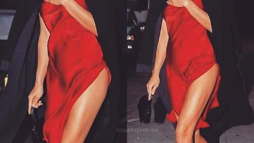 В смелом красном платье: Ирина Шейк потрясла сексапильным образом в Нью-Йорке