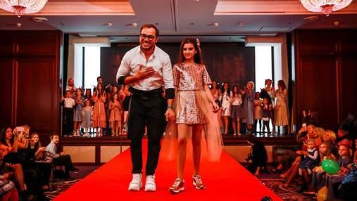 Гайтана и дочери Поляковой приняли участие в показе новой коллекции Андре Тана: эффектные фото
