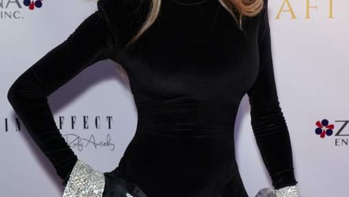 63-летняя сестра Майкла Джексона поразила идеальной фигурой на прогулке: фото