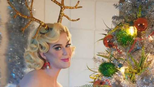 Як знаменитості прикрасили новорічну ялинку: яскрава фотопідбірка