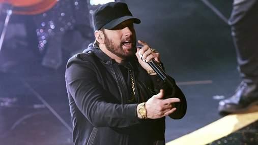 Емінем неочікувано виступив на Оскарі з піснею Lose Yourself, що перемогла у 2003 році