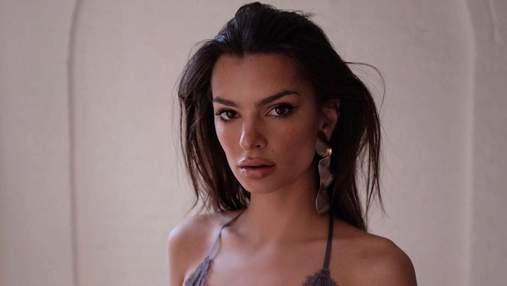 Эмили Ратаковски показала обнаженную грудь: фото 18+