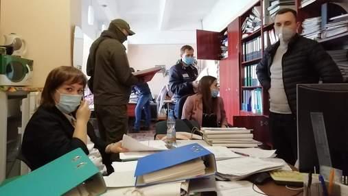 В Центре Довженко устроили обыск: фото