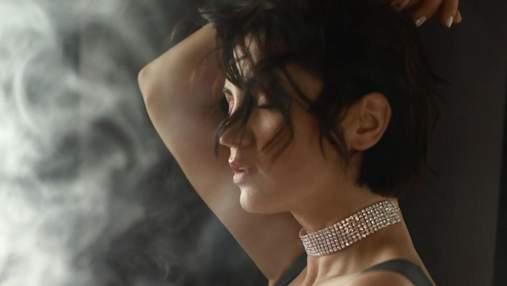 Оля Цибульская эротично станцевала в платье, надетом на голое тело: видео 18+