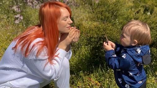 Беременная Светлана Тарабарова показала, как ее сын пытается съесть пластилин: смешное видео