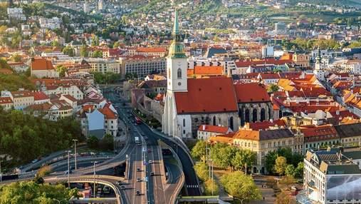Словаччина скасовує карантин і відкриває кордони для 16 країн: список