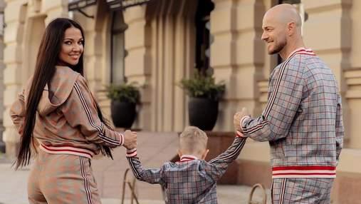 Влад Яма покорил сеть семейной съемкой: очаровательные фото с сыном