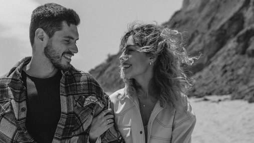 Нікіта Добринін і Даша Квіткова зустріли захід сонця поблизу моря – миле відео
