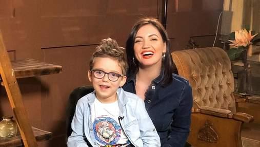 В мокром платье: Оля Цибульская показала летние развлечения с забавным сыном – яркое фото
