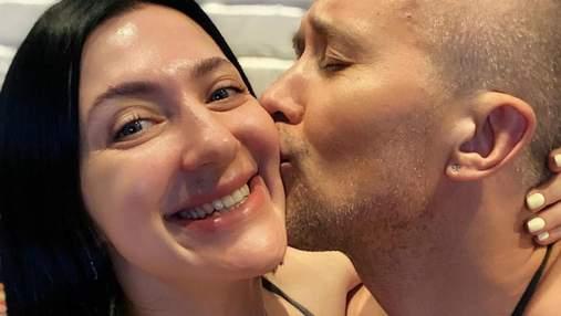 Именинница Снежана Бабкина показала милое фото из детства, а муж засыпал ее поздравлениями