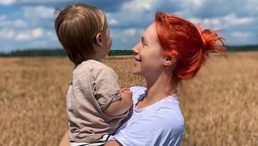 Беременная Светлана Тарабарова расстрогала сеть видео, где показала, как ее сын убирает
