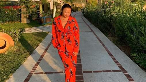 В ярком костюме: беременная Илона Гвоздева отправилась в Турцию – живописные фото