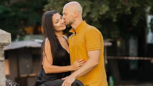 Ніжні поцілунки: Влад Яма замилував мережу романтичною фотосесією з коханою