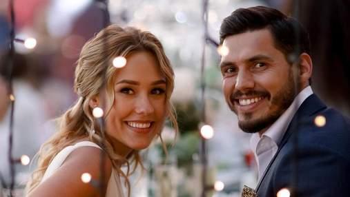 Нікіта Добринін присвятив коханій пісню: романтичний сюрприз на весіллі – відео