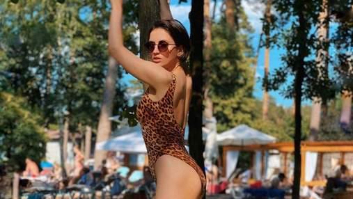 В леопардовом бикини: Оля Цибульская эротично вышла из бассейна – сексуальное фото