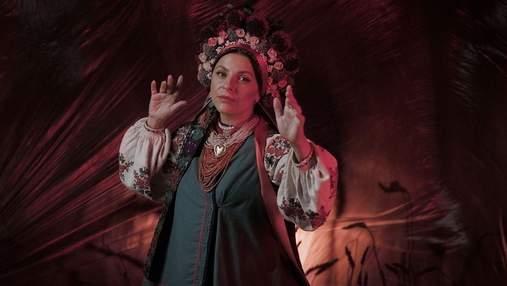 Українська наречена з минулого століття: Оксана Муха презентувала дебютний кліп – відео