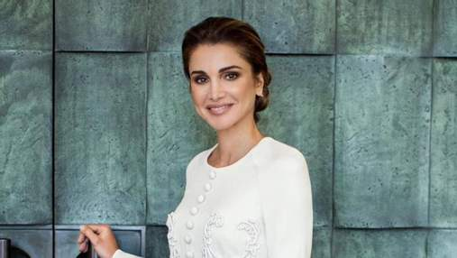 Королева Ранія презентувала новий офіційний портрет: яке вбрання обрала модниця