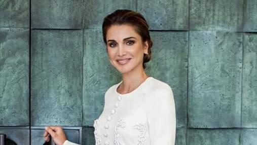 Королева Рания презентовала новый официальный портрет: какой наряд выбрала модница