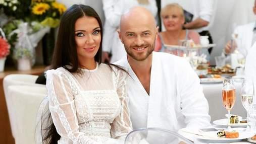 Влад Яма с женой снялся в романтической фотосессии: жаркие фото из Одессы