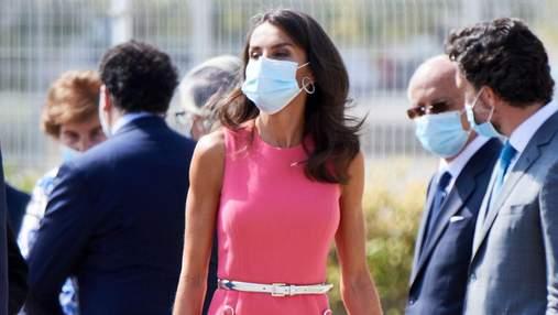 В розовом платье: королева Летиция умилила нежным образом – фото