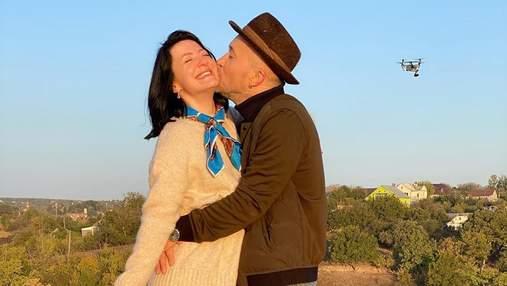 Романтика в воздухе: чета Бабкиных очаровала фотосессией на рассвете