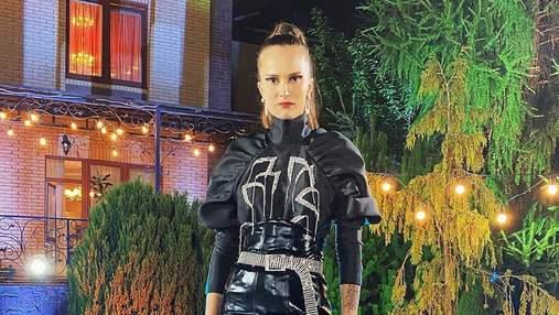 Високі ботфорти та шкіряна мініспідниця: Алла Костромічова постала в ефектному образі