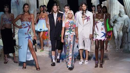 Показ под водой: оригинальная коллекция Versace на Неделе моды в Милане